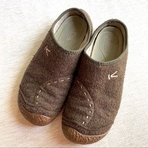 Keen Boiled Wool Timberline Clog Slippers size 6.5